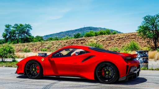 4K car wallpaper Ferrari 488 Pista