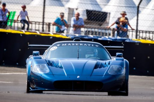 super sport car Maserati MC12